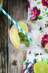 fresh lemonade with mint